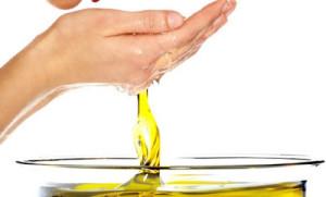 Cuidado você que em tudo que come taca azeite de oliva.