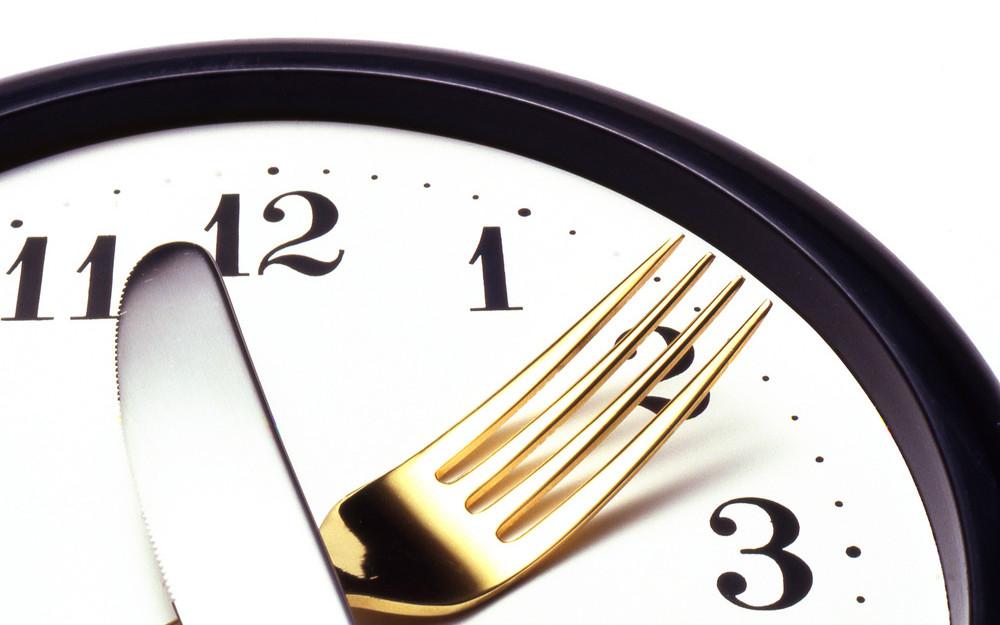 Entenda a importância de comer de 3 em 3 horas.